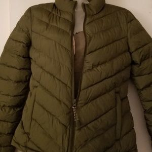 NWT Gap Fitted Puffer Jacket